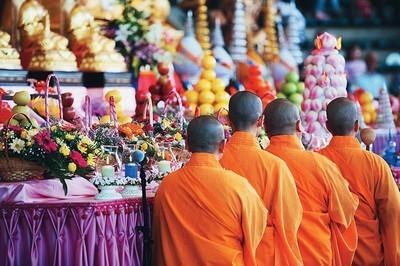 buddijskie prazdniki Буддийские праздники